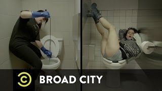 Broad City - Abbi and Ilana's Divergent Days