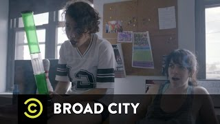Broad City - Underaged Bongs