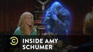 Inside Amy Schumer - Psychic