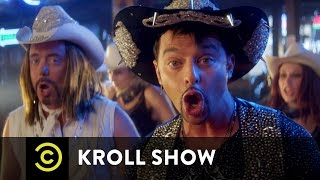 "Kroll Show - Bobby Bottleservice and Peter Paparazzo Perform ""Broin' Country"" (ft. Senor Feeture)"