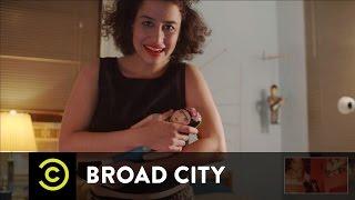 Hack Into Broad City - Body Dysmorphia