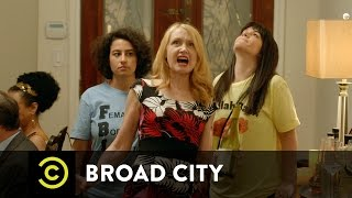 Broad City - Mother-Son Moment