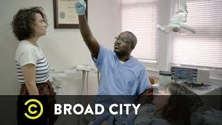 Broad City - Lincoln Prepares for Business