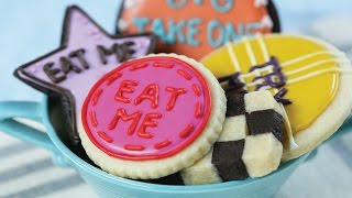 ALICE IN WONDERLAND 'EAT ME' COOKIES - NERDY NUMMIES