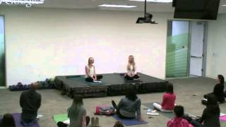 "Rachel Brathen: ""Yoga Girl"" 