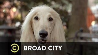 Broad City - What's in Jeremy's Package?