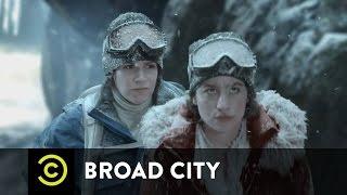 Broad City - The Climb