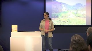 "Mary Ann Ochota: ""Hidden Histories: A Spotter's Guide to the British Landscape"" 