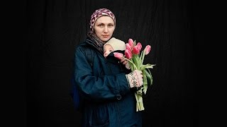 Anastasia Taylor-Lind: Fighters and mourners of the Ukrainian revolution
