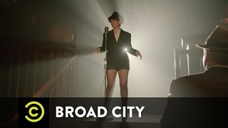 Broad City - A Visit From Val
